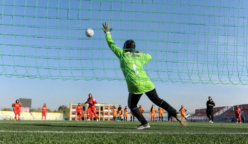Junioarele echipei afgane de fotbal feminin s-au refugiat în Pakistan. Ce le-a spus lidera lor după ce talibanii au preluat puterea