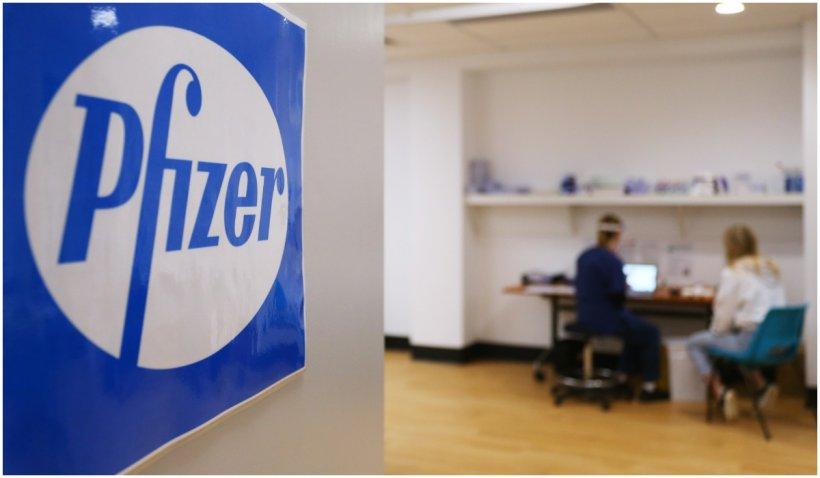 Pfizer anunță că a treia doză de vaccin restabilește protecția la 95%, conform studiilor făcute în Israel