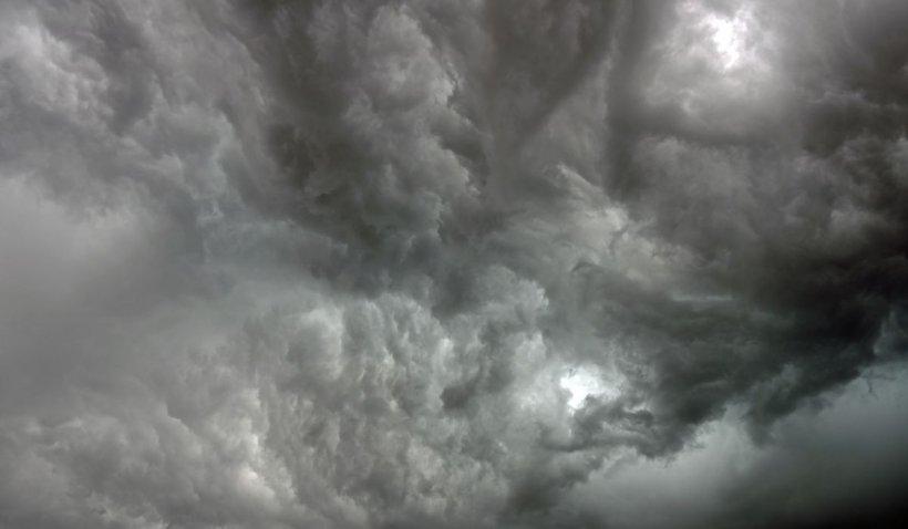 Avertizare meteo ANM de vreme severă. Meteorologii anunţă furtuni şi ploi în următoarele 48 de ore