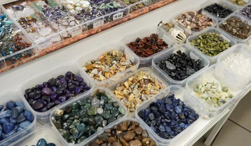 Cum să alegem cristalele sau pietrele potrivite pentru bijuterii terapeutice sau protectoare