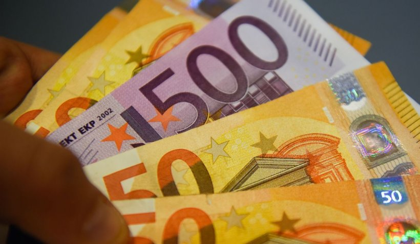 Salariul minim se majorează semnificativ, din octombrie, în Franța