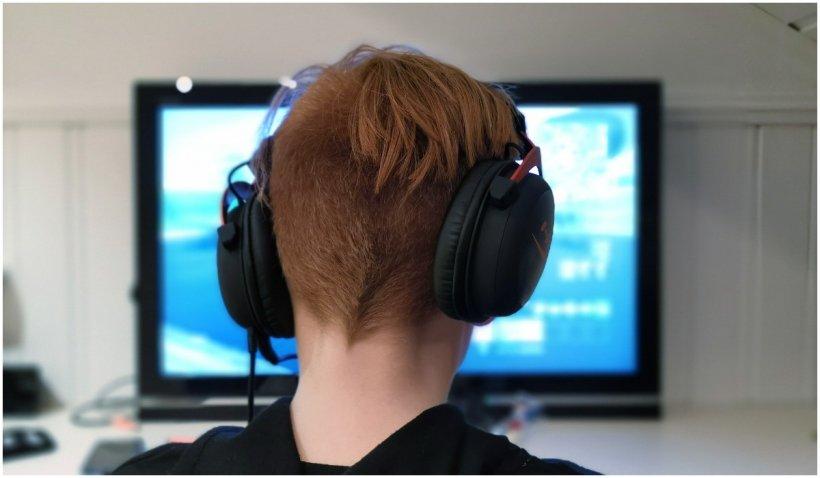 Un adolescent din Spania a fost internat din cauza dependenței de un joc pe calculator