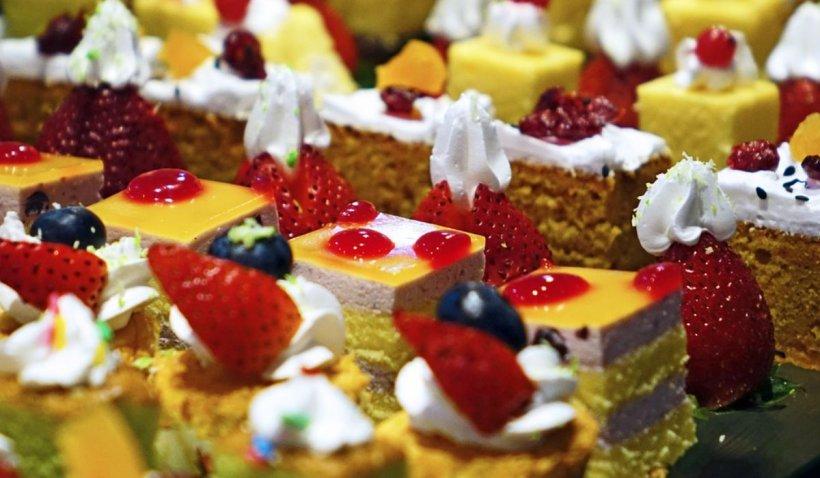 Prăjiturile, torturile şi cozonacii se scumpesc de la 1 octombrie