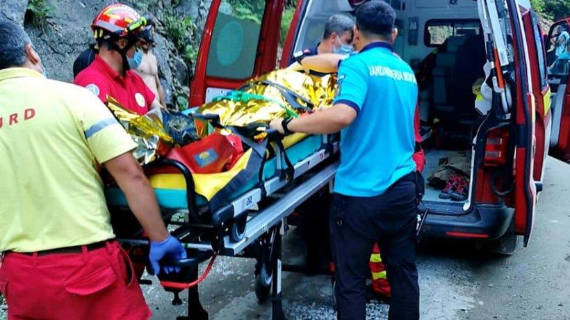 Un bărbat beat a intrat cu ATV-ul într-un stâlp de beton din Sibiu, în toiul nopţii, iar pasagerul a murit