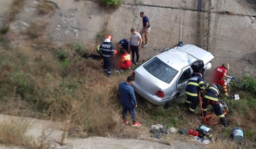 Un tânăr şi-a petrecut noaptea lângă prietenul său mort, după un teribil accident în Topraisar, Constanţa