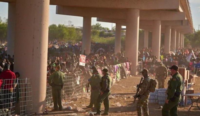 SUA încep să-i trimită în țările de origine pe migranții care s-au refugiat sub un pod la granița cu Mexic. Majoritatea sunt haitieni
