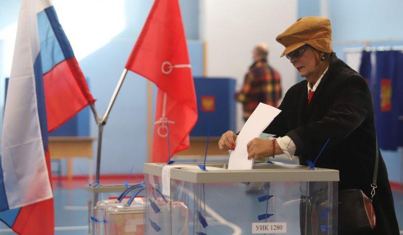 """Partidul """"Rusia Unită"""" al președintelui Vladimir Putin revendică victoria absolută, cu două treimi, în alegerile parlamentare"""