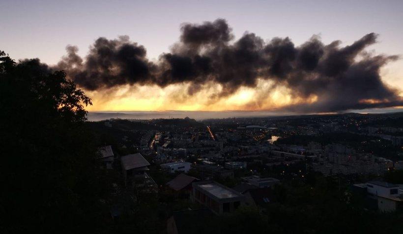 Incendiu puternic în Parcul Industrial din Cluj-Napoca. A fost emisă avertizare Ro-Alert