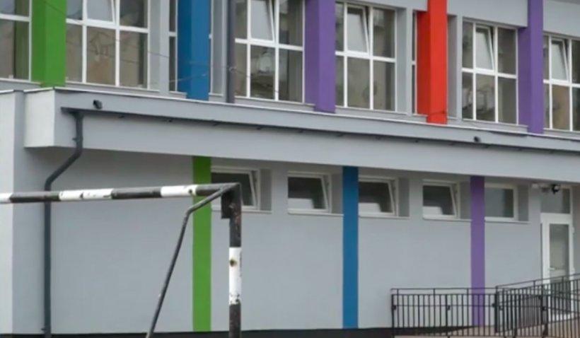 """Școli închise și deschise, de pe o zi pe alta, în Ilfov, dintr-o """"greșeală de interpretare"""" a ratei de infectare cu COVID-19"""