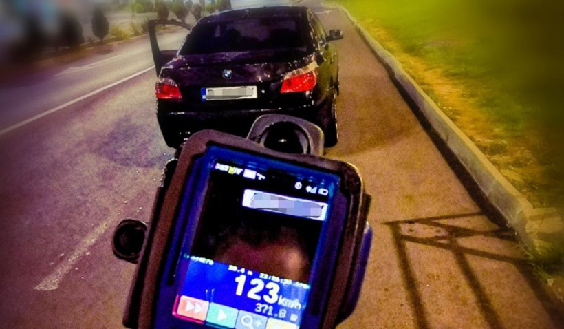 Scuza absolută găsită de un şofer cu BMW din Braşov prins de radar cu 123 km/h în localitate