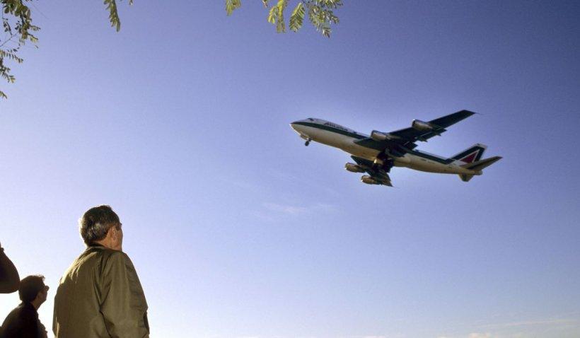 Companiile aeriene au început să anuleze cursele din și spre România