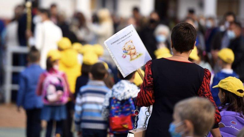 Cum arată chestionarul pentru vaccinarea elevilor minori, lansat de Ministerul Educației