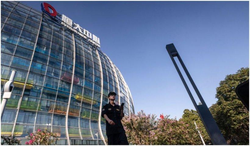 O nouă criză financiară pândește din China, odată cu prăbușirea gigantului imobiliar Evergrande