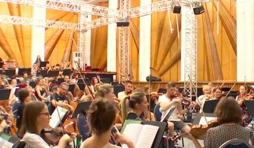 Spectatorii Festivalului Enescu se pot testa la Sala Palatului.Toți spectatorii care au cumpărat bilete beneficiază de tarif promoțional