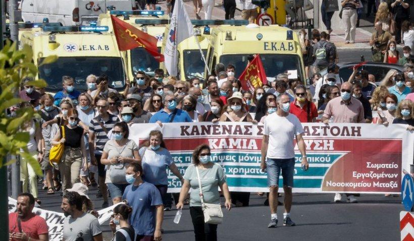Cum luptă Grecia cu pandemia și negaționiștii. Funcționarii care refuză vaccinul, amendați cu sute de euro. Ce pățesc antivacciniștii