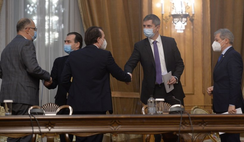 """USR PLUS, în timpul Congresului PNL: """"Nu putem continua guvernarea cu Florin Cîţu premier"""""""