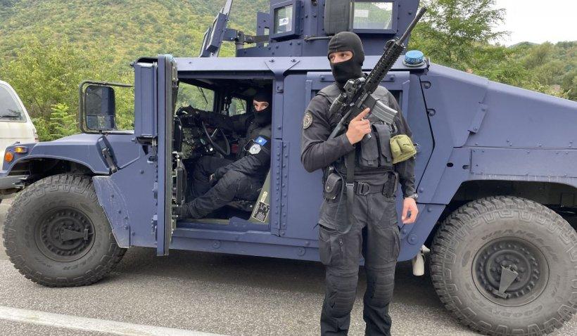 Tensiuni în creștere între Serbia și Kosovo. Sârbii au trimis blindate în zonă de frontieră, după ce Pristina a desfășurat poliția specială în nord
