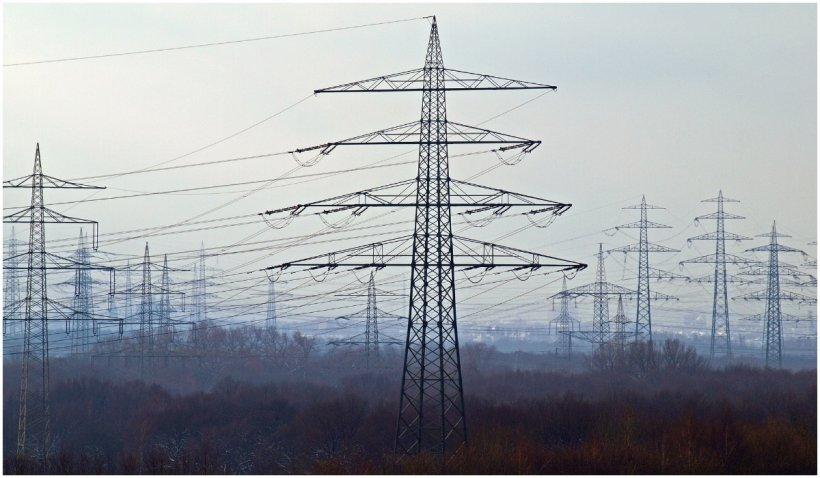 China se confruntă cu o criză energetică, fabricile și-au oprit producția, magazinele se închid mai devreme