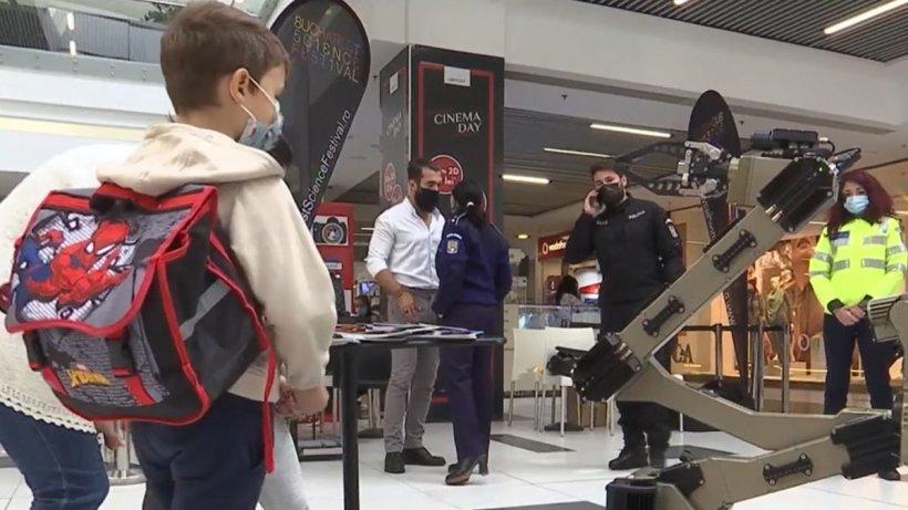 Poliţia Română şi-a prezentat roboţii din dotare la Bucharest Science Festival