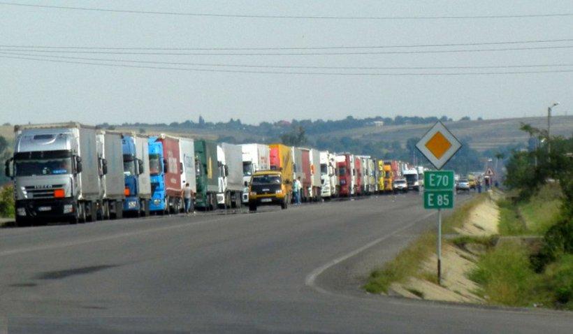 Transportatorii protestează miercuri cu 100 de TIR-uri în faţa Guvernului