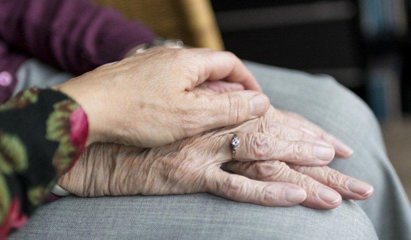 S-a aflat vârsta maximă până la care ar putea trăi oamenii. Descoperire-cheie în găsirea unui remediu pentru îmbătrânire