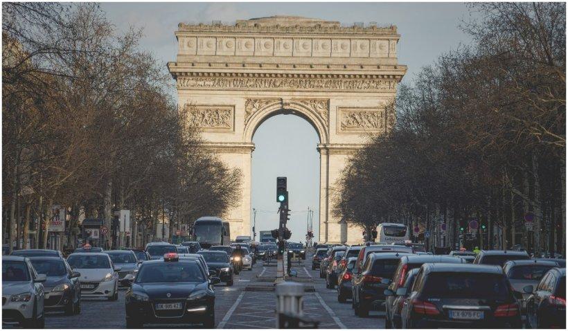 Un radar care amendează maşinile zgomotoase, testat la Paris. Cum va funcţiona