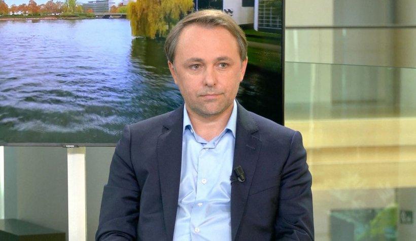 """Alin Mituţa, despre banii europeni: """"E o sumă colosală pentru România, dar există mereu posibilitatea să fie suspendate anumite fonduri"""""""