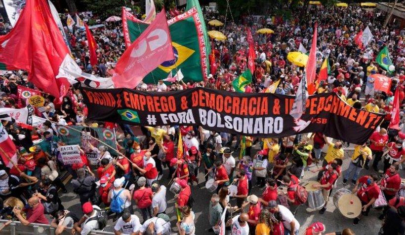 Brazilienii au ieșit în stradă să ceară punerea sub acuzare a lui Jair Bolsonaro. Președintele antivaccinist, la cel mai scăzut nivel în sondaje