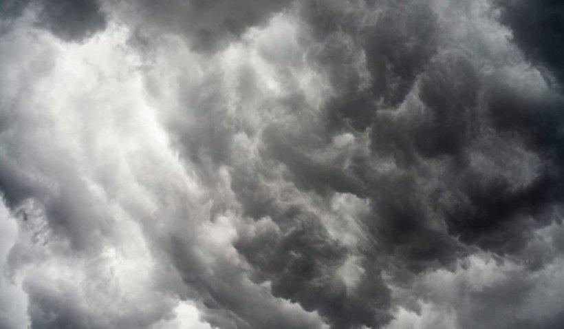 Prognoza meteo 7 octombrie 2021. Vreme deosebit de rece, frig și ploi în aproape toată țara. Rafale de vânt foarte puternice