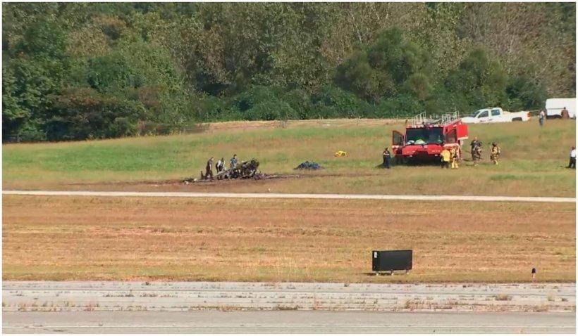 Patru oameni au murit după ce un avion de mici dimensiuni s-a prăbușit, lângă Atlanta