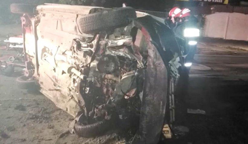 Accident grav în Galați: Un taxi a fost spulberat de un Mini Cooper. Toate cele 5 victime, încarcerate