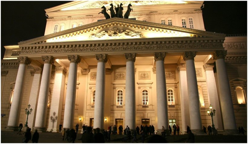 Un artist al Teatrului Bolşoi a murit pe scenă, strivit de un decor