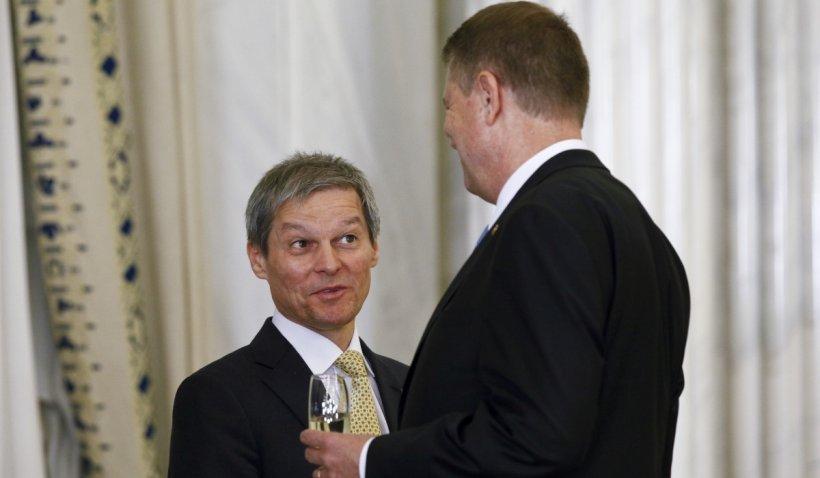 Iohannis a semnat decretul privind desemnarea lui Dacian Cioloș pentru a forma noul guvern