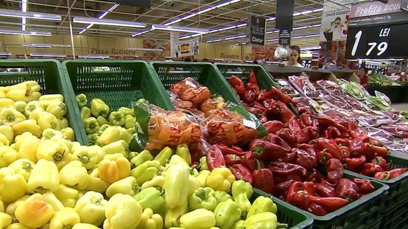 Coşul cu alimentele de bază, mai scump cu 12% faţă de anul trecut