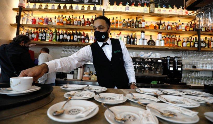 Închiderea restaurantelor şi hotelurilor, discutată la Prefectura Bucureşti