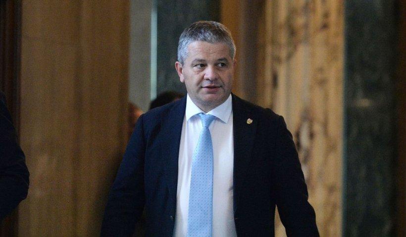 """Florian Bodog: """"Situația este dezastruoasă! Guvernele Orban și Cîțu nu au făcut NIMIC pentru a pregăti valul 4"""""""