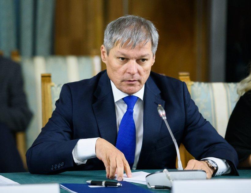 Lista miniștrilor pe care Dacian Cioloș îi vrea în noul Guvern USR-PLUS - variantă de lucru