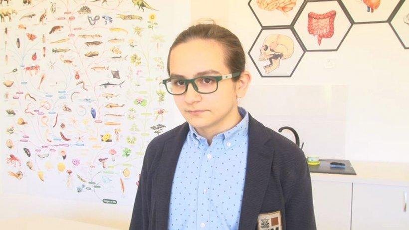 Un elev din Brașov a câştigat medalii de aur la o mulţime de olimpiade