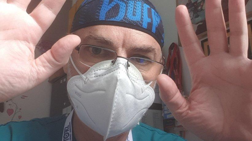 """Dr. Mihai Craiu: """"Ultima modă este administrarea în masă a Azitromicinei, la toate persoanele cu semne clinice de viroză"""""""