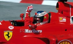 Ferarri racing car driven by Michael Schumacher in 1999 to be auctioned off in Mamaia