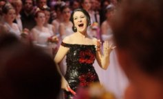 Angela Gheorghiu,  rushed to the hospital emergency room, straight from the San Franscisco stage Opera
