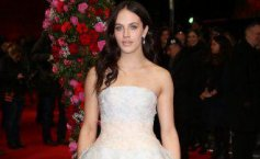 Scandalos! Jessica Brown Findlay, vedeta din Downton Abbey, în filmuleţ XXX
