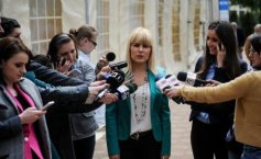 What  Băsescu says about  Elena Udrea's chances to make it  into the second round