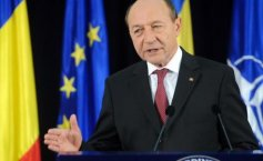 Băsescu: Meleşcanu has either forgotten or he meant to misinform. You cannot deny providing the President with classified information