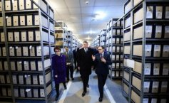 Iohannis inspected the Securitate archives and consulted some files: I want us to have a Museum of communism in Romania