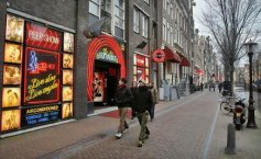 Romanians arrested in Amsterdam for swindling tourists