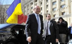 Traian Băsescu's case file stays with the General Prosecution. The ex-president's propaganda people wanted to have the file moved over to the DNA