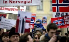 Impressive images. Worldwide protests to support the Romanian family whose children were taken away by the Norwegian state