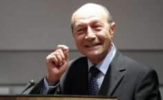 Romania's former president, Traian Basescu, left without Moldovan citizenship