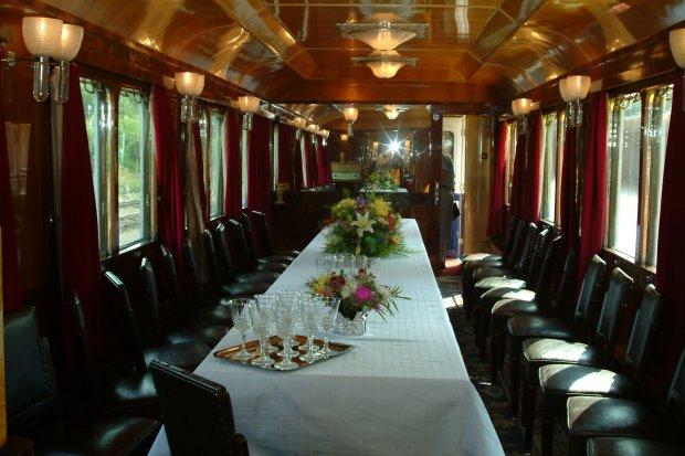 trenul regal a c zut prad ho ilor a fost jefuit n gara. Black Bedroom Furniture Sets. Home Design Ideas